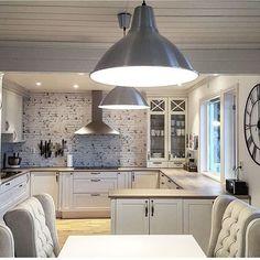 @homebyjuliey  #interiør #luxury #homedetails #details #interiors  #dekor #decor #finahem #inspiration #interior123 #interiorstyled #norway #inspo #inspohome #onetofollow #photooftheday #interior4all #fine_hjem #unike_hjem #inspire_me_home_decor #picoftheday #interior2you #interior4you #livingroom #like4like #shabbychic #eleganceroom #kitchen