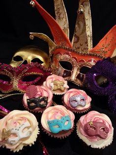 Masquerade Venetian Ball cupcakes - probably too expensive but so cute!