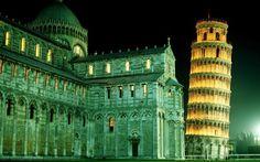 La Torre de Pisa, campanario de la Catedral de Pisa.