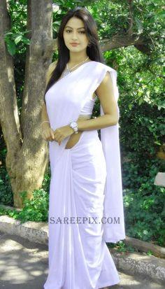 Telugu Actress Kumkum is Stunning in a Plain White Saree