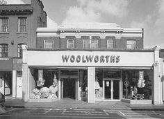 514. Chapel Market in 1998. Woolworths, Nos 40–42 RCHME photographs (BB98/20860, BB98/20866) in NMR