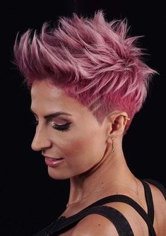 Gorgeous Undercut Rose Gold Pixie Haircuts for 2018 Wanna make you look more attractive by wearing the trendy short hair looks? See here our best styles of undercut short pixie rose gold hairstyles and haircuts for best hair looks in Edgy Haircuts, Short Pixie Haircuts, Pixie Hairstyles, Cool Hairstyles, Short Edgy Hairstyles, Haircut For Older Women, Short Hair Cuts For Women, Hair Color Pink, Pink Hair