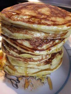 Μπανανοκρεπούλες!!! Εύκολες ,γρήγορες και γευστικότατες!!! Τα μωρά μου δεν αφήνουν ψιχουλάκι!!! Υλικά και Εκτέλεση Στο μπλέντερ 1... Baby Food Recipes, New Recipes, Cookbook Recipes, Cooking Recipes, Greek Desserts, Healthy Bars, Banana Dessert, Sweet Pastries, Pancakes And Waffles