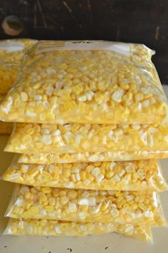 I'll show you how to freeze fresh sweet corn. This is the best freezer corn recipe ever! It's buttery, and freezes for up to a year! Frozen Sweet Corn Recipe, Frozen Corn Recipes, Fresh Corn Recipes, Frozen Meals, Hominy Recipes, Frozen Fruit, Freezing Fresh Corn, Freezing Vegetables, Canning Vegetables