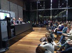 Conferencia de Joe Dispenza, autor de 'EL PLACEBO ERES TÚ', en Barcelona. Conference Room, Barcelona, Basketball Court, Authors, Events, Books