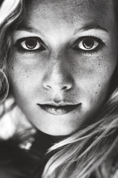 Stunning black and white portrait photography by German photographer Malte Pietschmann www.goachi.com