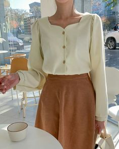 Classy Casual, Classy Outfits, Cute Outfits, Korean Spring Outfits, Vogue Fashion, Fashion Models, Korean Girl Fashion, Minimal Outfit, Business Casual Outfits