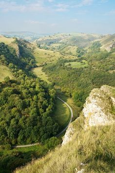 Manifold Valley from above Thors Cave,Staffordshire,England Landscape Edging, Desert Landscape, Garden Edging, Northern England, England Uk, Landscaping Near Me, British Countryside, Nature Photos, Cool Places To Visit
