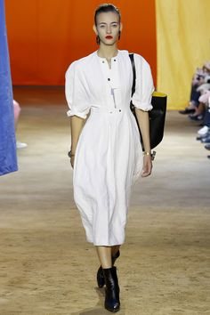 Céline Spring 2016 Ready-to-Wear Collection Photos - Vogue  http://www.vogue.com/fashion-shows/spring-2016-ready-to-wear/celine/slideshow/collection#12