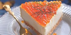 Cheese cake with salmon eggs Marie Claire, Salmon Eggs, Quiche Lorraine, Christmas Wonderland, Creative Food, Cake Cookies, Finger Foods, Appetizer Recipes, Food Inspiration