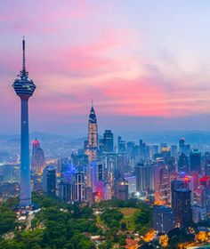 Look at that Kuala Lumpur sky! Malaysia Truly Asia, Malaysia Travel, Places Around The World, Around The Worlds, Wonderful Places, Beautiful Places, Beautiful Sky, Beautiful Scenery, Local Tour