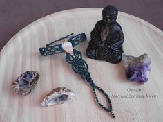 Macramé Ring Bracelet. PINK BANDED ARAGONITE healing stone