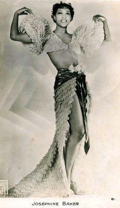 Josephine Baker - @~ Mllelovee this womann 30s deco movie star dancer carmen miranda like showgirl outfit ruffles crop top fancy skirt