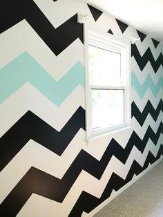 Easy tutorial on How To Paint Chevron Stripes: Black, White & Turquoise Striped Room, Striped Walls, White Walls, Paint Chevron Stripes, Chevron Accent Walls, Bedroom Wall Designs, Accent Wall Bedroom, Bedroom Decor, Bar Design