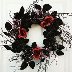 Welcome fall! Welcome fall! Fall Halloween, Halloween Crafts, Vintage Halloween, Halloween Decorations, Halloween Flowers, Halloween Wreaths, Halloween Horror, Valentine Day Wreaths, Valentines