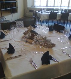 Kahdeksan hengen poydät Table Settings, Place Settings, Tablescapes