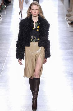 Topshop Unique Fall 2015 Ready-to-Wear Collection Photos - Vogue