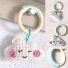 Patroon wolkje haken bijtring Crochet Ring Patterns, Amigurumi Patterns, Baby Patterns, Crochet Baby Toys, Crochet Gifts, Love Crochet, Crochet For Kids, Handgemachtes Baby, Crochet Mobile