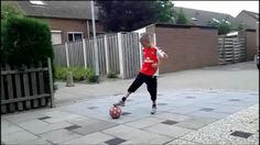 I'm Veron, 9 years old and I've just started with Freestyle Football. My YT channel is veronjacobsfreestyle Football Tricks, Free Kick, 9 Year Olds, Kicks, Channel, Sporty, Style, Fashion, Swag