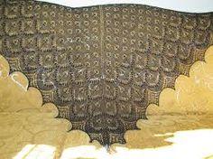 Znalezione obrazy dla zapytania ażurowa chusta na drutach