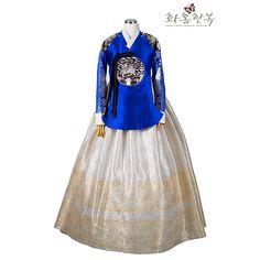 Korean Traditional, Traditional Fashion, Traditional Dresses, Korean Hanbok, Korean Dress, Oriental Dress, Culture Clothing, Lolita Dress, Dress Brands