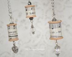 My Salvaged Treasures: Spool Necklaces...or Xmas decorations