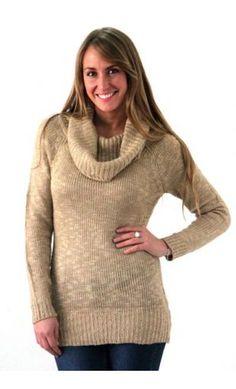 SWEATER TOSTADO LARGO CUELLO CON BRILLO Turtle Neck, Sweaters, Fashion, Jitter Glitter, Sweater Vests, Moda, La Mode, Sweater