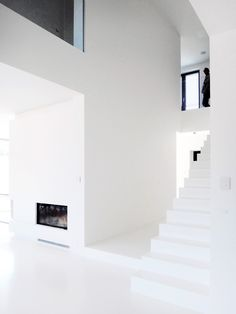 modern white interior  www.facebook.com/le2workshop