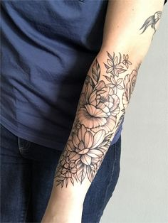 17 Unique Arm Tattoo Designs For Girls - Floral half sleeve completion by Leah B at Waukesha Tattoo co in Waukesha WI Japanese tattoo sleeve - Tattoos For Women Half Sleeve, Half Sleeve Tattoos Designs, Forearm Sleeve Tattoos, Japanese Sleeve Tattoos, Full Sleeve Tattoos, Tattoo Japanese, Tattoo Neck, Gypsy Tattoo Sleeve, Forearm Tattoos For Women