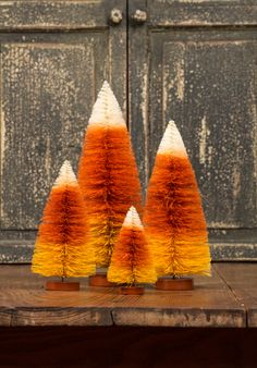 How freaking cute are these? with ・・・ Ragon House Candy Corn bottle brush trees. Halloween Trees, Spirit Halloween, Halloween Cards, Holidays Halloween, Vintage Halloween, Fall Halloween, Happy Halloween, Halloween Decorations, Candy Corn