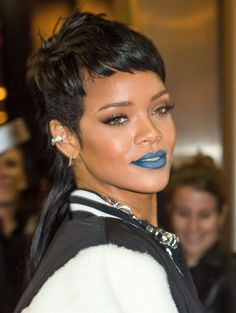 blue lips idea for the Rain. i like that color a lot. maybe with a light bit of glitter, not shimmer or metallic