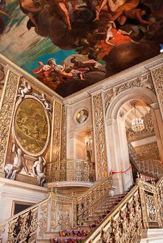 Chatsworth House, Derbyshire, the seat of the Duke of Devonshire. Definitely going here! Baroque Architecture, Beautiful Architecture, Beautiful Buildings, Beautiful Places, Duke Of Devonshire, Chatsworth House, Voyage Europe, Derbyshire, Kirchen