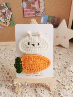 Diy Crochet Projects, Yarn Projects, Crochet Crafts, Yarn Crafts, Crochet Patterns Amigurumi, Crochet Dolls, Crochet Clothes, Crochet Stitches, Crochet Hair Clips