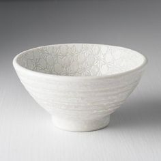 Medium bowl from the collection White Star with a beautiful delicate detail. Bowls, Delicate, Japan, Detail, Stars, Medium, Tableware, Collection, Beautiful