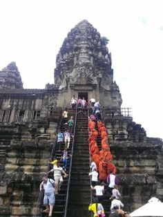 **Best Angkor Guide - Day Tours - Siem Reap, Cambodia