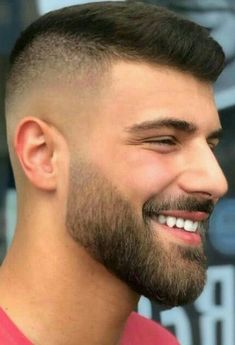 Cool beard styles for men 2019 18 Mens Hairstyles With Beard, Hairstyles Haircuts, Haircuts For Men, Beard Styles For Men, Hair And Beard Styles, Short Hair Styles, Beard Fade, Beard Look, Beard Haircut