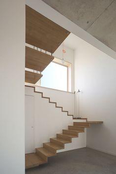 Maison MD8 - Picture gallery #architecture #interiordesign #staircase