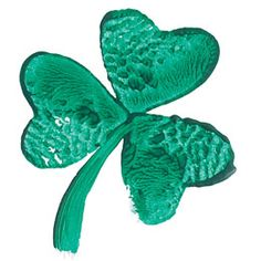 Kid-friendly description of St Patrick's Day.  want to try to make this Shamrock using the kids' fingerprints too : )