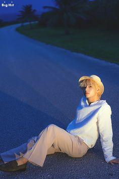 Read 🌺Sesion de Fotos🌺- BTS from the story Un Chico Desesperado -Jungkook y Tu- [Terminada] by ( Bts Taehyung, Bts Bangtan Boy, Taehyung Fanart, Jimin Jungkook, Daegu, K Pop, Billboard Music Awards, Foto Bts, Fake Instagram