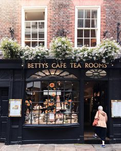 Betty's Cafe and Tea Rooms, York, England My Coffee Shop, Coffee Shop Design, Coffee Shops, Coffee Cafe, Hotel Restaurant, Restaurant Design, Shop Interior Design, Cafe Design, Amsterdam Dance Event