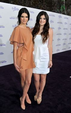 Kylie & Kendall Jenner.