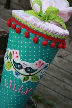 Eines Tages werde ich ein Enkelkeltochter Lillyanna haben.  Für Ihres erstem Schultag macht Nani Irh ein Zuckertüte, Mit Liebe <3