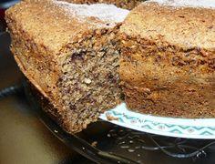 torta bruna con cioccolato e nocciole