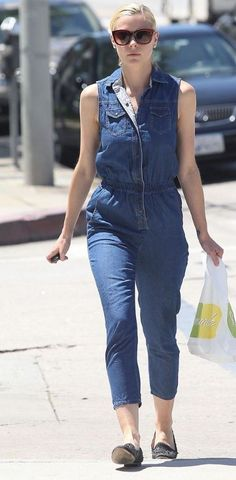 Jaime King rocks a denim jumpsuit while picking up some lunch from Lemonade on Thursday (August 9) in Los Angeles.