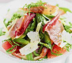 диетический салат с ветчиной и сыром пармезан