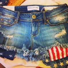 American Flag cut off shorts from Pac Sun ... I like how Bullheads fit me! :)