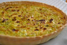 Tarte aux poireaux, thon et moutarde Weight Watchers, recette d'une délicie… Weight Watchers Leek Pie, Tuna and Mustard Recipe is a recipe for a delicious light salty tart that is quick and easy to make for your daily meals and picnics. Weight Watchers Pie, Weigh Watchers, Salty Tart, Leek Pie, Mustard Recipe, Quiches, Köstliche Desserts, Winter Food, Tuna