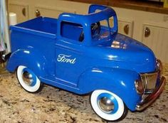 *PEDAL CAR ~ Ford pickup