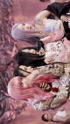 Kpop Girl Groups, Korean Girl Groups, Kpop Girls, Blackpink Fashion, Black Girl Fashion, Cute Gifs, Black Pink Kpop, Blackpink Members, Blackpink Photos