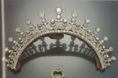 Known as the 'Kliens' or 'Small' diamond tiara, originally belonged to Therese, Duchess of Mecklenburg-Strelitz, who wed Karl Alexander, Prince of Thurn und Taxis in 1789. It was designed as a series of thirteen diamond pinnacles and sat at the back of the head.